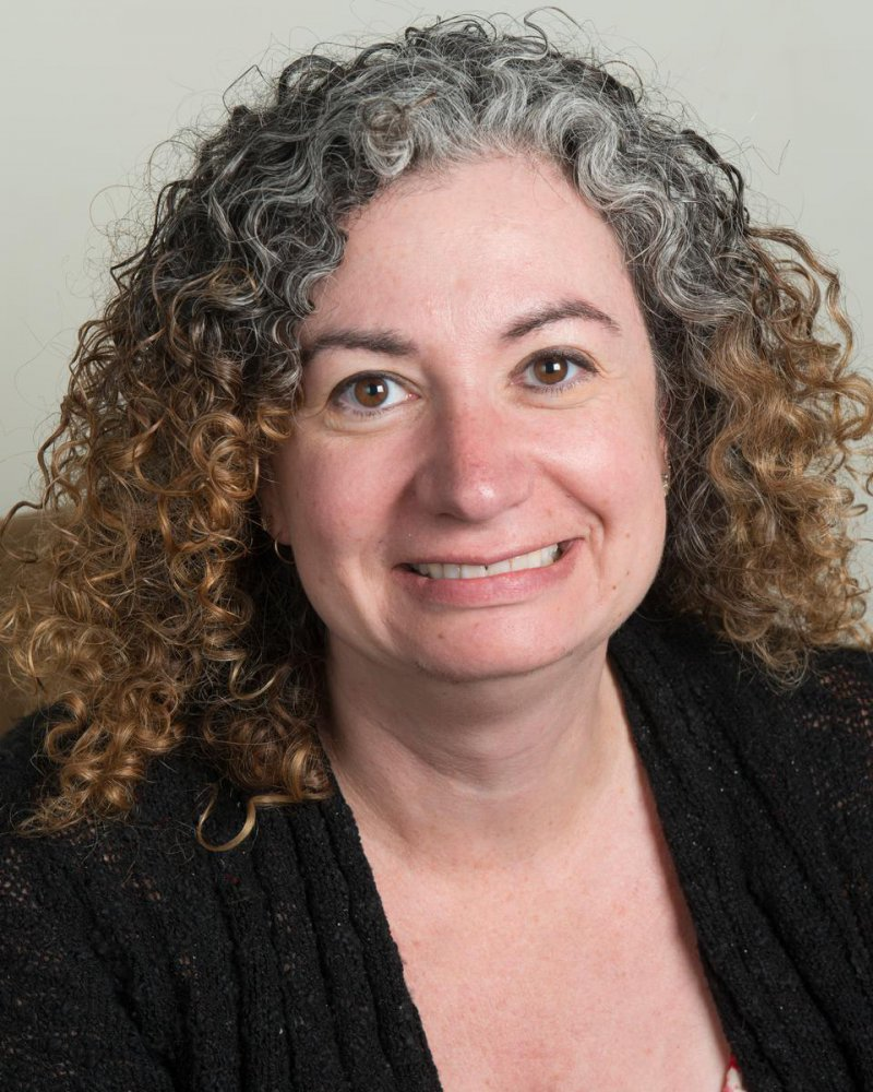 Lynn Mayer headshot